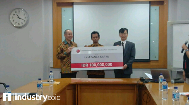 CSR Sompo Insurance Indonesia (Hariyanto/ INDUSTRY.co.id)