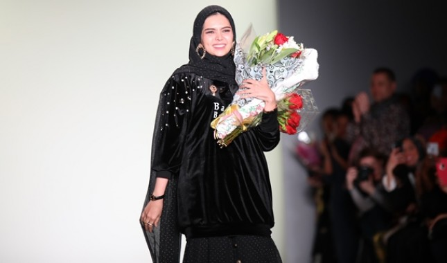 Vivi Zubedi, Desainer Indonesia yang Berjaya Di New York Fashion Week 2018 ( foto: Bianca Barben)