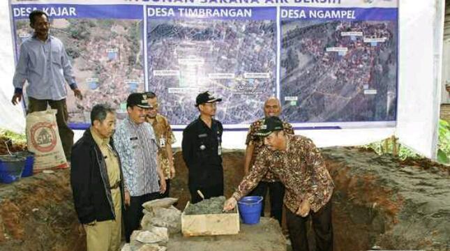 Semen Indonesia Bangun Fasilitas Air Bersih