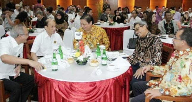 Menperin bersama Wamen ESDM di acara Breakfast meeting di jakarta (Ridwan/INDUSTRY.co.id)