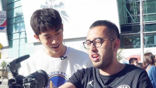Komika Kemal Palevi dan Aktor Nam Joo Hyuk di Los Angeles. (Source: Instagram @kemalpalevi)