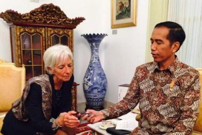 Presiden Jokowi Bersama Christine Lagarde Sumber: Foto Setkab dalam Industry.co.id (2018)