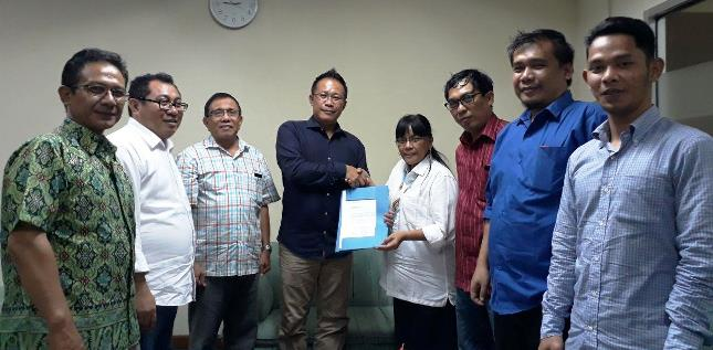 Auri Jaya Ketua Umum SMSI Pusat (Foto Dok Industry.co.id)