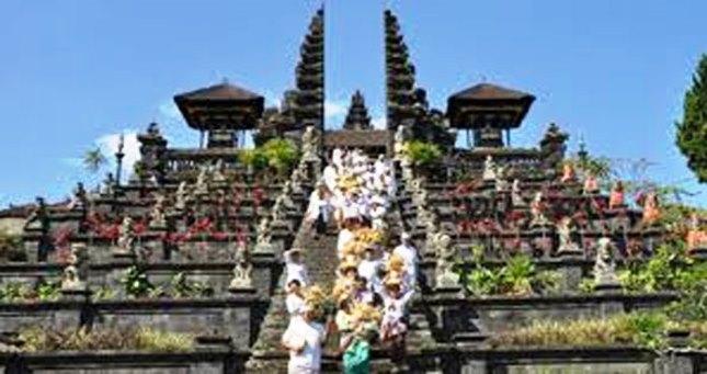 Pura Besakih Kangasem Bali (Foto Dok Industry.co.id)