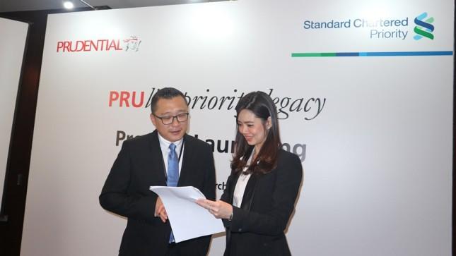 Kerjasama Standard Chartered Bank dengan Prudential Indonesia, menghadirkan PRUlife Priority Legacy. (Dina Astria/Industry.co.id)
