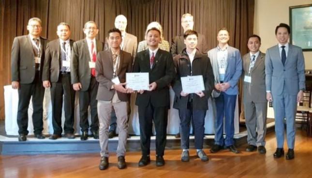 Institut Teknologi Sepuluh Nopember (ITS) Surabaya berhasil meraih peringkat dua dalam ajang Worldwide Ferry Safety Design Competition yang diadakan oleh Worldwide Ferry Safety Association di Amerika Serikat (AS).