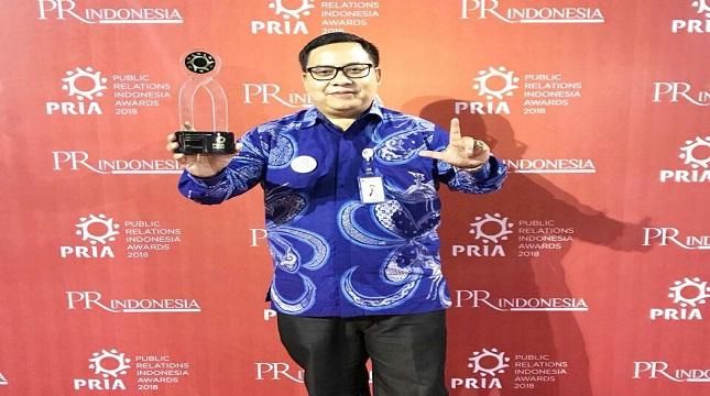 Perum Jamkrindo menerima Award