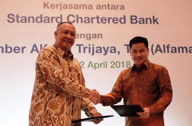 CEO SCBI Rino Donosepoetro dan Presdir PT Sumber Alfaria Trijaya Tbk, Hans Prawira (Foto Dok Industry.co.id)