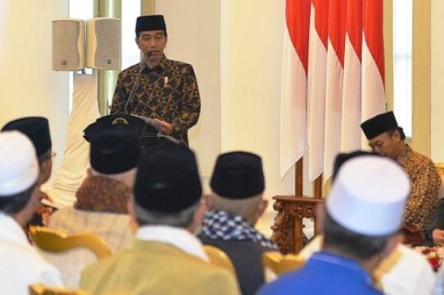 Presiden Jokowi dan Ulama (Foto Dok Industry.co.id)