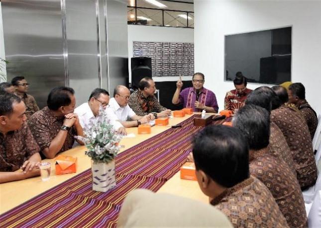Menkop Puspayoga saat menerima kunjungan Ketua Umum Inkopkar terpilih periode 2018-2022 Fadel Muhammad beserta seluruh jajaran pengurusnya, di Gedung Smesco Indonesia, Selasa (17/4).