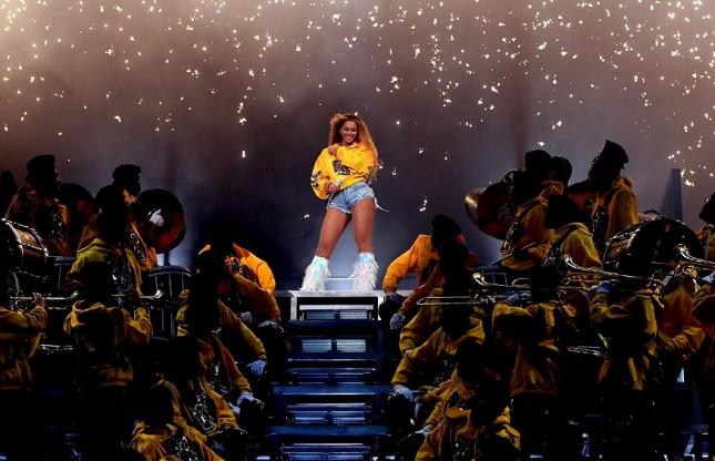 Beyonce di panggung Coachella 2018. (Foto: NME)