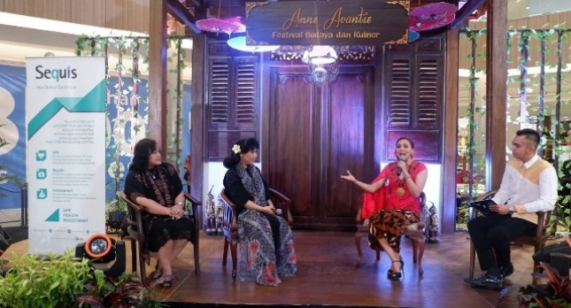 (kika) Regional Head of Agency Development Sequis Fourrita Indah,CFP,CEC - Perancang Busana Indonesia Bunda Anne Avantie - Presenter dan agen Sequis Life sejak tahun 2016 Donna Agnesia