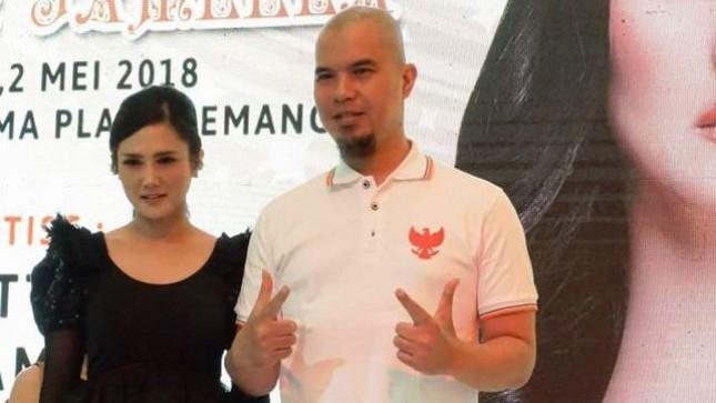 Mulan Jameela Didampingi Suaminy, Ahmad Dhani saat Peluncuran Album Terbarunya