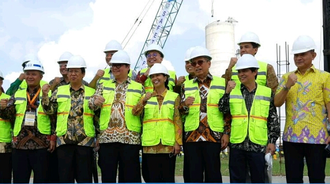 Menteri BUMN Rini Soemarno Peresmian pabrik Pupuk 2B (Foto Dok Industri.co.id)
