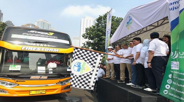 Wakil Gubernur Sandiaga Uno dan Direksi BPJS Ketenagakerjaan melepas pemudik