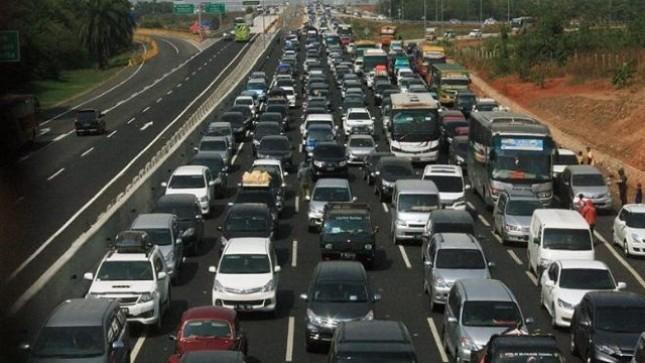Kemacetan di Tol (Foto Dok BreakingNews)