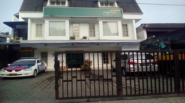 Kantor Bank Mandiri Syariah (Foto: Anto)
