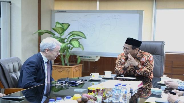 Mentan Amran Andi Sulaiman dengan Stephen Rudgard,pimpinan FAO untuk Indonesia dan Timur Leste
