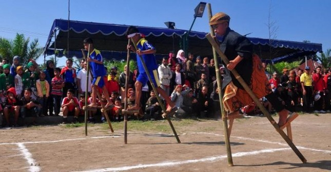 Ilustrasi Olahraga Tradisional (Foto: Lovefashion88)