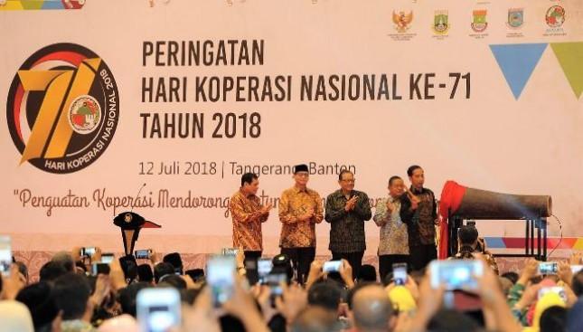 Presiden Jokowi dalam acara peringatan Hari Koperasi Nasional ke-71 yang digelar di ICE BSD, Tangerang, Kamis (12/7).