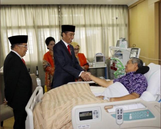 Presiden Jokowi-Wapres JK kunjungi SBY di RSPAD (Foto Dok Industry.co.id)