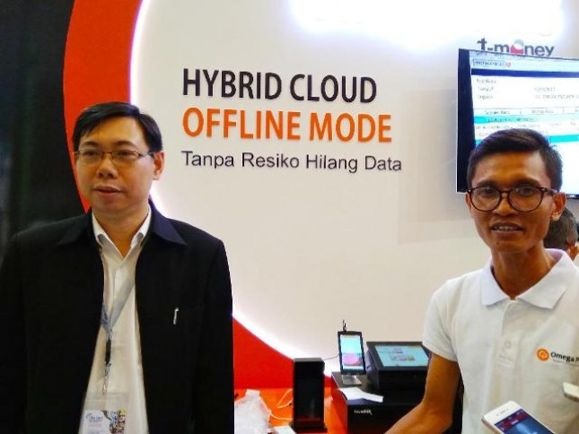 PT Omega Teknologi Indonesia (Omega Pos) menjajaki kerja sama dengan PT Telekomunikasi Indonesia (Telkom) dalam sistem pembayaran cashless yaitu melalui layanan digital T Money dan point of sales yang disediakan Omega Pos.