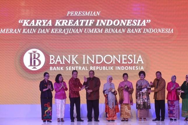 """Pameran """"Karya Kreatif Indonesia-Pameran Kerajinan UMKM Binaan Bank Indonesia"""