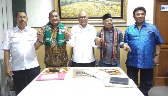 Badan Pengurus Pusat Kerukunan Keluarga Besar Masyarakat Maluku (KKBMM) meminta kepada pemerintah agar segera menetapkan tanggal 15 Mei sebagai Hari Kebangkitan Nusantara dalam kalender nasional.
