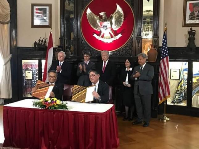 Ketua Umum API Ade Sudrajat saar melakukan penandatanganan MoU dengan Suplier Kapas Amerika Serikat (Foto: Dok. Industry.co.id)