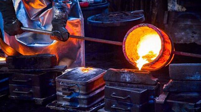 Ilustrasi Pabrik Besi dan Baja (Mikael Karlsson /EyeEm/Getty Images)