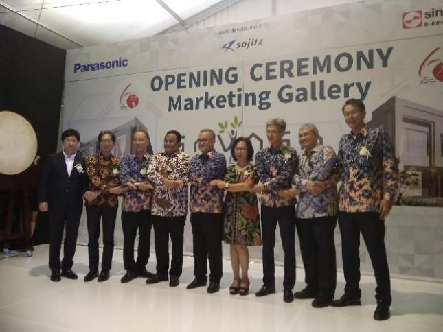 PT Puradelta Lestari Tbk anak perusahaan Sinar Mas Land bersama dengan PT Panasonic Homes Global Indonesia meluncurkan Marketing Gallery dan mengembangkan proyek hunian Savasa di kota Deltamas, Cikarang, Kabupaten Bekasi, Sabtu (15/9/2018).