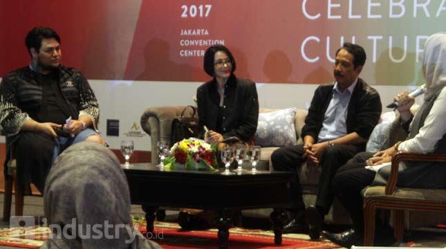Ketua umum APPMI Poppy Dharsono saat berbincang dalam Pre event gathering IFW 2017 (Hariyanto/ INDUSTRY.co.id)