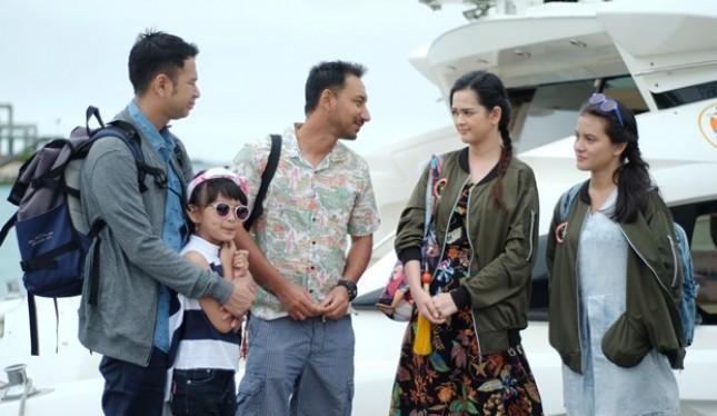 "Raffi Ahmad, Zizan Raza, Cut Meysriska, Marsha Aruan dan Aqilla Herby dalam film ""Kesempatan Keduda"""