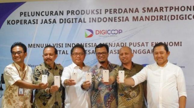 Peluncuran Smartphone Digicoop di Cikarang, Jumat (20/1/2016)