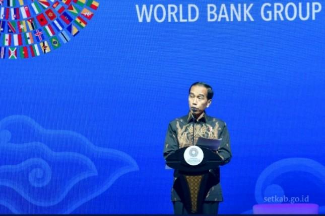 Presiden Jokowi saat memberikan sambutan pada Seminar Bali Fintech Agenda, di Bali International Convention Center (BICC), Nusa Dua, Bali (Foto: Setkab)