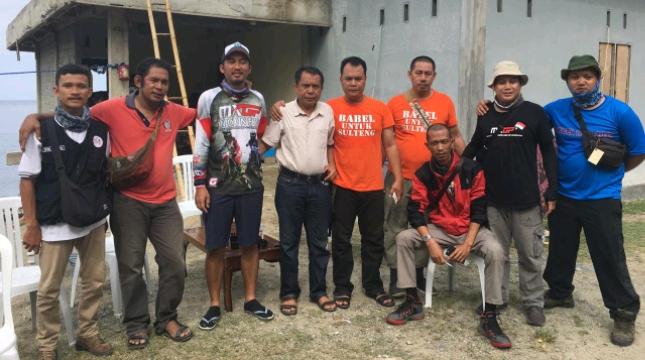 Relawan PWI dan SMSI Babel, hibur Anak-anak Pengungsi