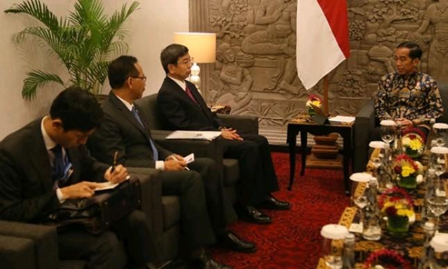 Presiden Joko Widodo menerima kunjungan kehormatan Presiden Asian Development Bank (ADB) Takehiko Nakao dan Wakil Presiden ADN Bambang Susantono disela-sela Pertemuan Tahunan IMF-World Bank Group 2018 di Nusa Dua, Bali (Foto: Setkab)