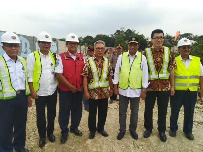 Menteri Perhubungan Budi Karya Sumadi telah meninjau proyek pembangunan jalur ganda Maja- Rangkas Bitung di stasiun Citeras, Lebak, Banten Minggu (18/11/2018).