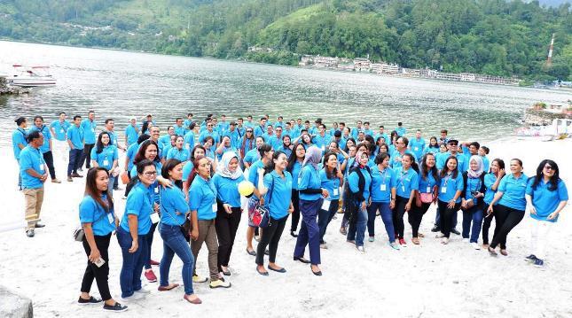 Para Peserta Pelatihan Pariwisata yang Diselenggarakan oleh Asuransi Jasindo di Danau Toba, Sumut.