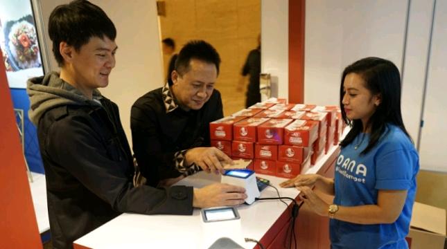 Dompet Digital DANA Manfaatkan Kode QR