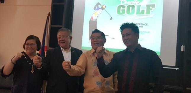 Riche Tiblani, Filcomin Golf Association President bersama Ambassador Lee Hiong Wee, Dubes Filipina di Indonesia.