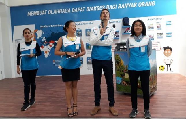 Jeremie Ruppert, Direktur Utama Decathlon Indonesia (ke-2 dari kanan)