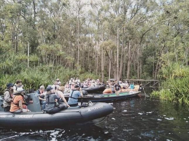Rombongan Wisman saat berada di Destinasi Wisata Tanjung Puting