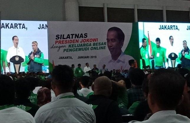 Presiden Jokowi menghadiri silaturahmi nasional pengemudi online di JIExpo, Kemayoran, Jakarta, Sabtu (12/1/2019).