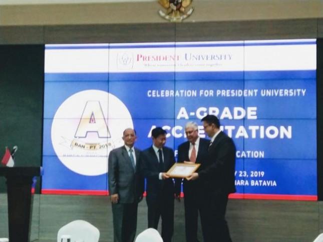 President University berhasil mendapatkan akreditasi A setelah 16 tahun berdiri.