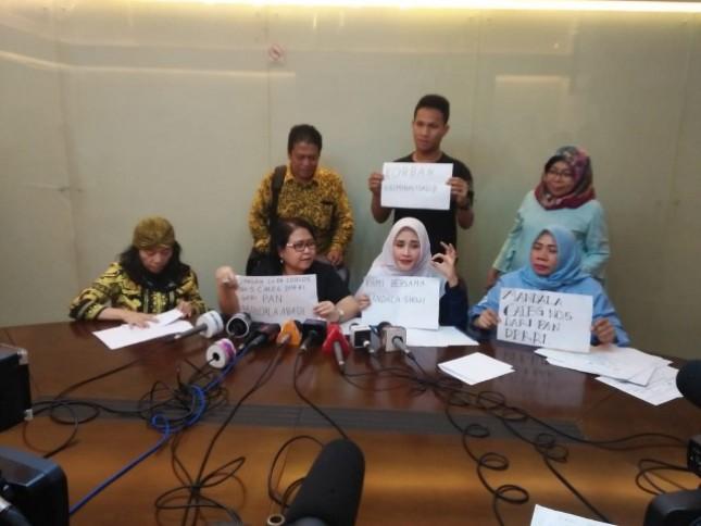 Mandala Abadi Shoji melalui kuasa hukumnya,Elza Syarief, membantah isu yang menyebut dirinya masuk dalam daftar pencarian orang (DPO) setelah divonis Pengadilan Negeri Jakarta Pusat terkait kasus kampanye hitam.