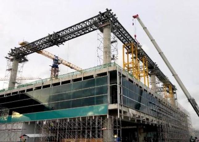 Progres pembangunan New Yogyakarta International Airport (NYIA) yang hingga minggu ke-30 pelaksanaan pekerjaan telah mencapai 53 persen.