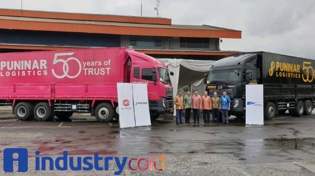 Astra UD Truck Lakukan Serah Terima 22 Unit Quester CQE280 Kepada Puninar Logistics