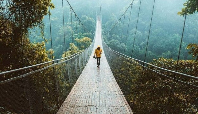 Jembatan Gantung Setugunung