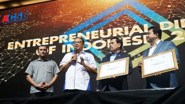 ICSB Berikan Penghargaan Entrepreneurial Diplomat of Indonesia Award 2019